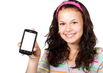 Mobilní telefony pro teenagery do 6 000 Kč (2017)