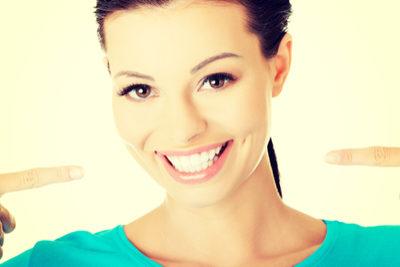 Jak vybrat ústní vodu (na reklamy nespoléhejte) + přehledné srovnání oblíbených mez spotřebiteli