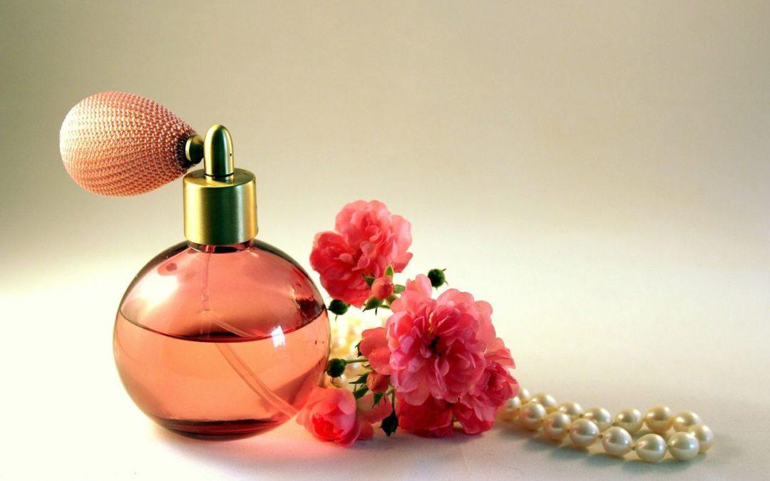 Jak vybrat parfém přes internet?