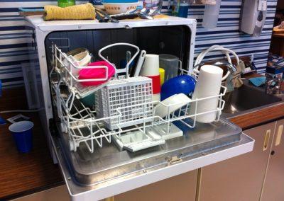 Poruchy myček nádobí, které zvládnete sami opravit + 5 nejlepších myček dle německých testů