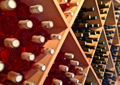 Jak se orientovat v etiketě na vinných lahvích