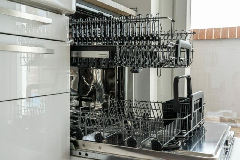 Jak zacházet s myčkou nádobí, aby bylo dokonale čisté