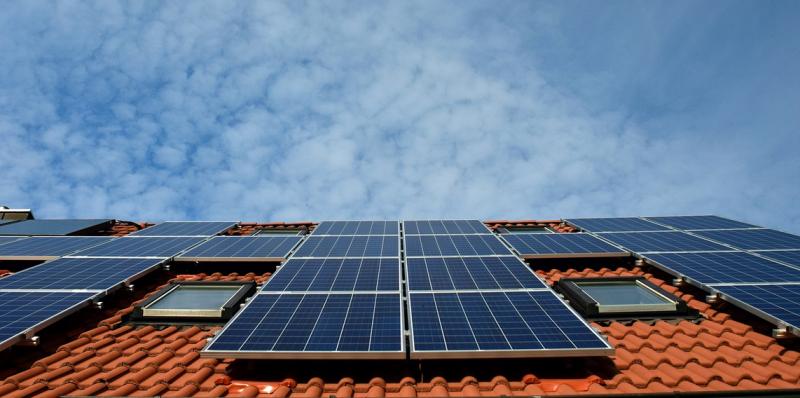 Ceny za elektřinu stoupají. Vyplatí se pořízení solárních panelů?