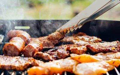 Karamelizovaná cibule a grilovaná krkovička si velmi dobře rozumějí