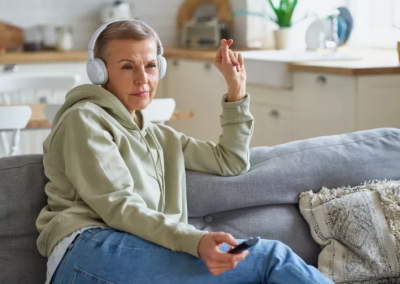 Jak si vybrat ty nejlepší TV sluchátka